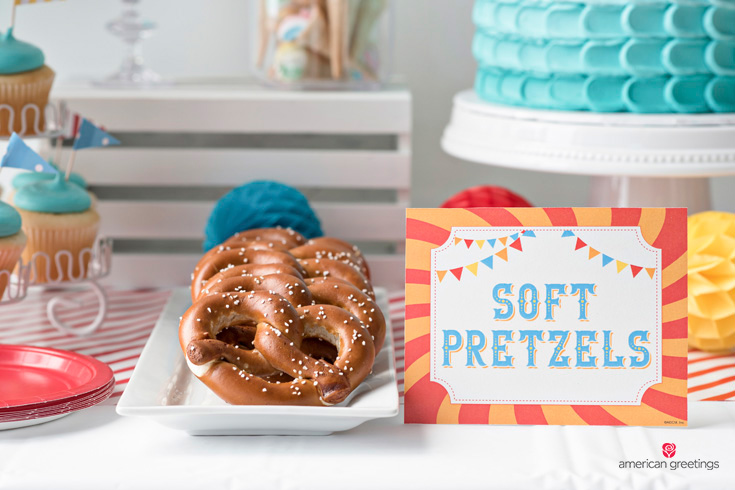 Soft pretzels food tent printable