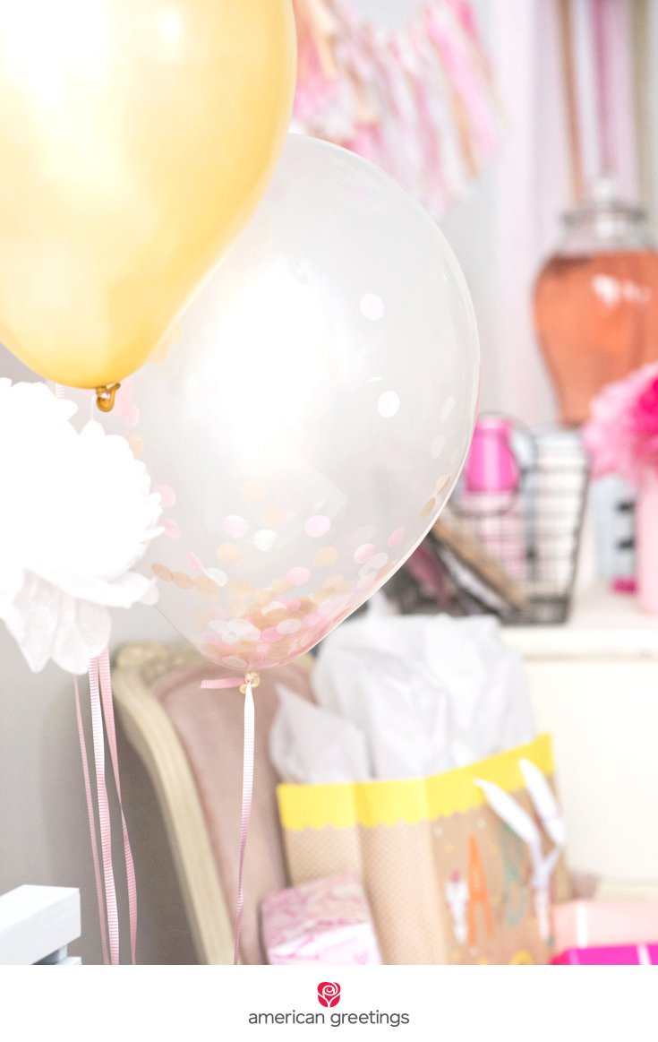 pink and gold balloon cluster