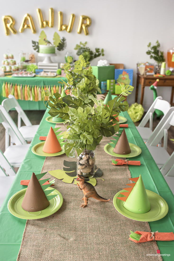 Decorating the Dining Table for a Dinosaur Party