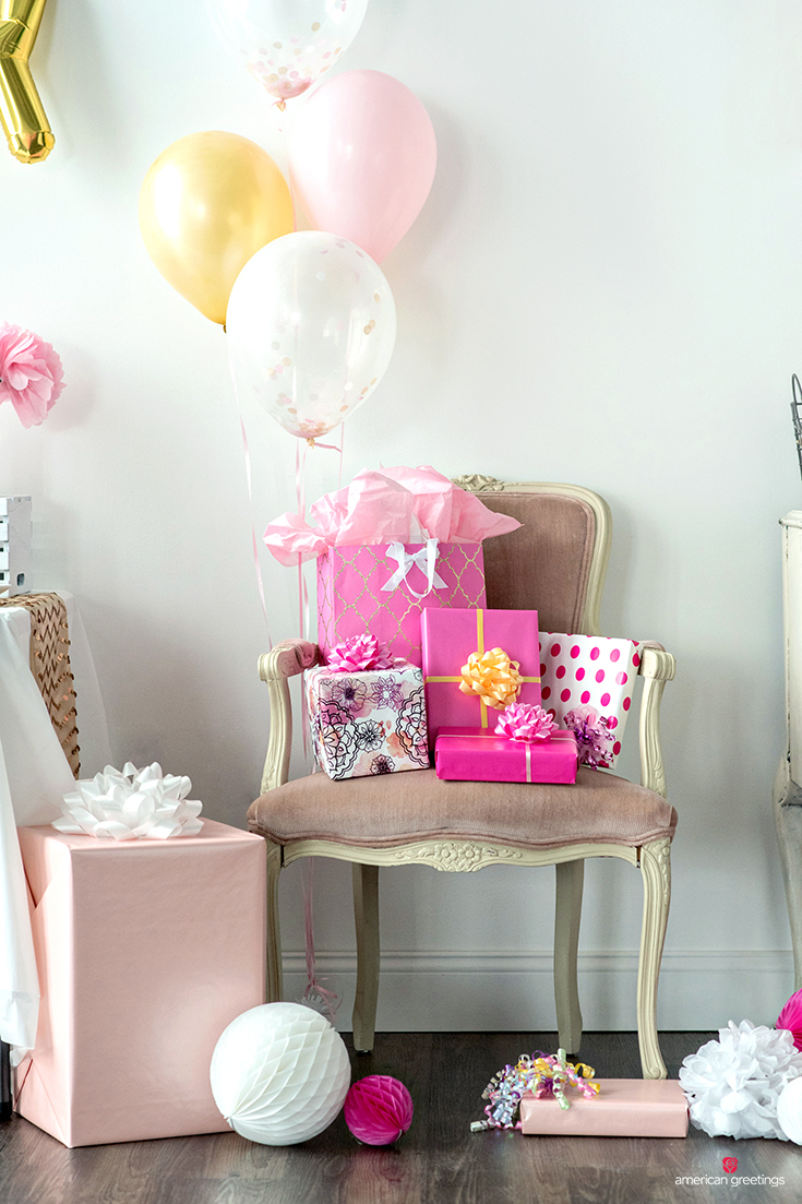 Gift Table and chair