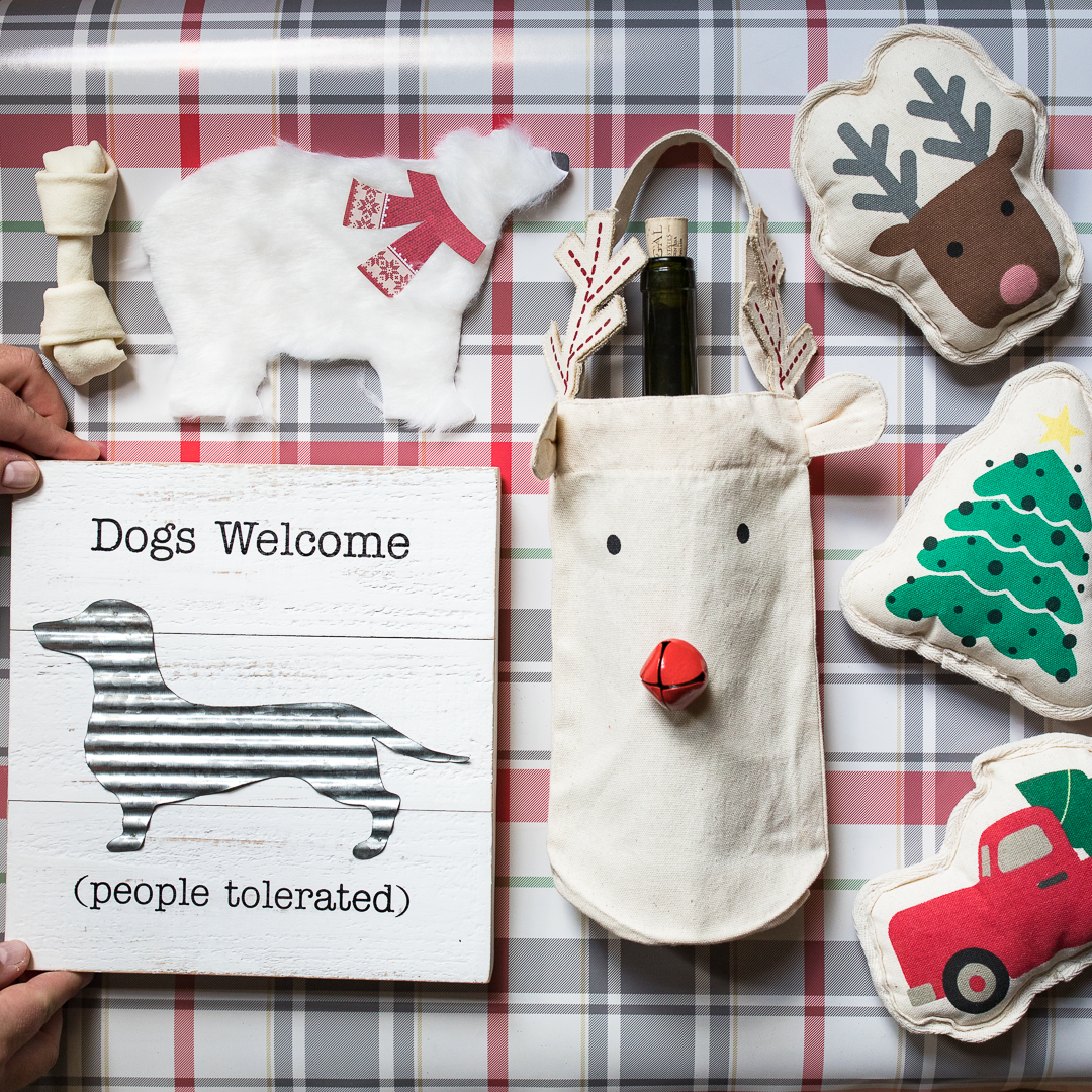 Cristmas gifts for pets.