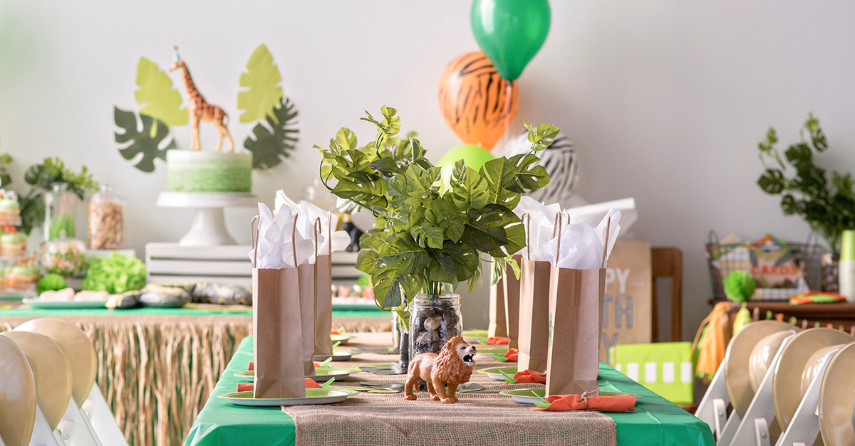 Jungle party dinning table